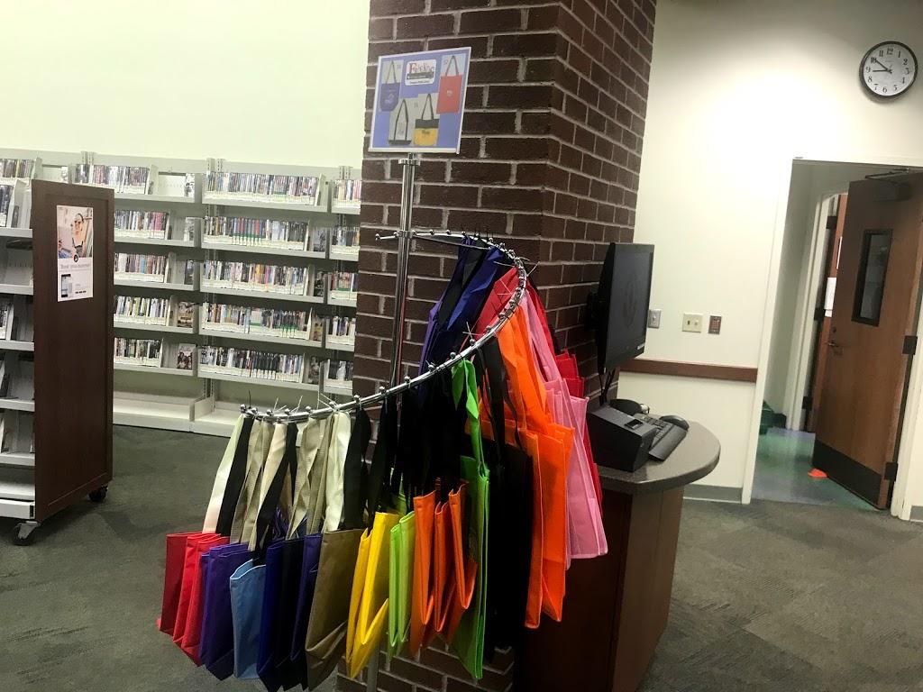 Lexington Public Library, Tates Creek Branch - library    Photo 5 of 10   Address: 3628 Walden Dr, Lexington, KY 40517, USA   Phone: (859) 231-5500